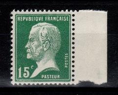 YV 171 N** Pasteur Bien Centré Cote 3,70 Euros +25% - France