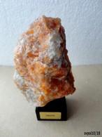 Joli Pierre CALCITE Sur Socle Bois -   9 X 7 X 4 Cm - Minéraux