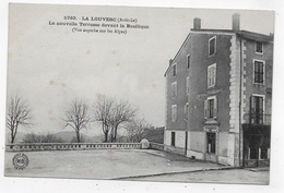 LA LOUVESC - N° 5763 - LA NOUVELLE TERRASSE DEVANT LA BASILIQUE - HOTEL POINARD - CPA NON VOYAGEE - La Louvesc