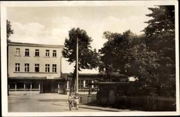 Cp Fürstenberg An Der Havel, Partie Am Bahnhofspark, Fußgänger, HO Laden - Deutschland