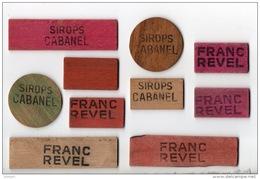 """10 JETONS PUBLICITAIRES BOIS . """" SIROPS CABANEL """" ET """" FRANC REVEL """" . COMPTER LES POINTS À LA BELOTE - Réf. N°4PO - - Autres Collections"""