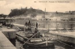 CPA Batellerie  - 29 - CHATEAULIN - Passage D'un Chaland à L'Ecluse - Châteaulin