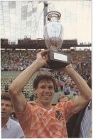EK '88 - Marco Van Basten Met De Cup  - Nederlands Elftal - K.N.V.B. - Voetbal