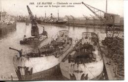N°66937 -cpa Le Havre Chalands En Ciment Et Vue Sur Le Hangar Aux Cotons- - Commerce