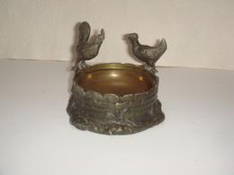 Abreuvoir Coq Et Poule Diametre 11,5 Cm Bronze - Bronzes