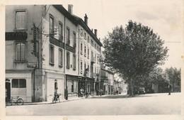 CP - France - (69) Rhône - Fleurie - La Place Et La Grande Rue - France