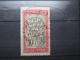 """VEND BEAU TIMBRE DE MADAGASCAR N° 98 , CACHET """" FORT-DAUPHIN """" !!! - Used Stamps"""