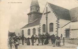 CPA Bretagne Une Noce Bretonne - Eglise - Christ - Croix - Jésus - Collection Petitjean Belle Ile En Mer Costumes - Bretagne