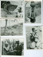 12 Photos Ruanda Activités Au Village Vers 1950 Par Pères Blancs Africa Films Boechout - Africa