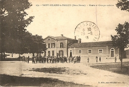 Cpa St Hilaire La Palud Mairie Et Groupe Scolaire - Autres Communes