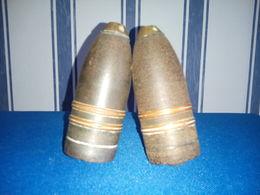 2 SUPERBES OGIVES D'OBUS DE MARINE DE 37mm AVEC PLUSIEURS MARQUAGES DONT ANCRE DE MARINE (VOIR DETAIL) - Armes Neutralisées