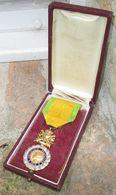 Medaille Militaire Argent + Boite - France