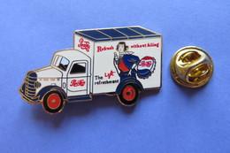 Pin's, PEPSI COLA, The Light Refreshment, Oldtimer Car, Femme, - Trademarks