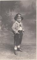 Kleiner Bub Mit Lederhose Und Hut, Fotokarte Ungel., Gute Erhaltung - Kinder