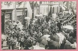 68 - SENNHEIM - CERNAY - Carte Photo - Fanfare - Défilé Devant Le Magasin De Confection Daniel BLUM - Judaica - Cernay