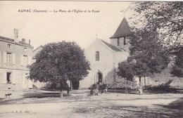 Charente - Aunac - La Place De L'Eglise Et La Poste - Autres Communes