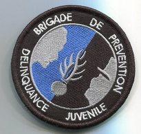 G44 PATCH ECUSSON GENDARMERIE VELCRO NOIR BRIGADE DE PREVENTION DELINQUANCE JUVENILE BANDEAU NOIR - Polizia