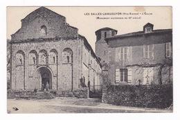 Jolie CPA  Les Salles-Lavauguyon (Haute-Vienne), L'église, Années 1900 - France