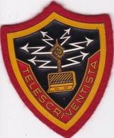 T 7)  Écusson Tissu Militaire Ou Autre:  (Fmt Largeur 06 Hauteur 07) - Ecussons Tissu