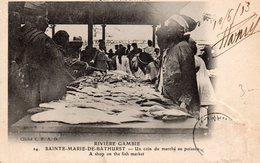 RIVIERE GAMBIE SAINTE MARIE DE BATHURST UN COIN DU MARCHE AU POISSON BELLE ANIMATION - Gambie