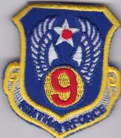 C 1 T 7) Écusson Tissu Militaire Ou Autre  (Fmt Largeur 07 Hauteur 07) - Scudetti In Tela