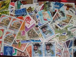 Lot VRAC De 1200 TIMBRES Décollés Et Quelques Neufs Du MONDE - Stamps