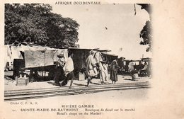RIVIERE GAMBIE SAINTE MARIE DE BATHURST BOUTIQUES DE DETAIL SUR LE MARCHE BELLE ANIMATION - Gambie
