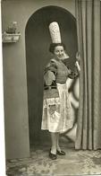 (BRETAGNE)( 29 FINISTERE)( FEMME EN COIFFE ET COSTUME)(FOLKLORE)( BIGOUDENE ) - Lieux