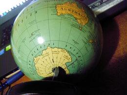 Ancien Globe Terrestre Mappemonde CARTES TARIDE En Tole Lithographiée Années  50 - Autres Collections