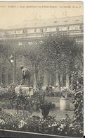 PARIS - Cour Intérieure Du Palais Royal - Le Canon - Statues
