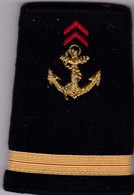 T 9) Écusson Tissu Militaire Ou Autre:    épaulette - Ecussons Tissu