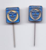 2 Pins Pin Badge Wrestling Club Zeljeznicar Sarajevo Bosnia Yugoslavia - Wrestling