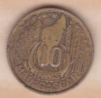 MADAGASCAR /REPUBLIQUE FRANCAISE. 10 FRANCS 1953 - Madagascar