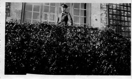 PHoto D'un Soldat Aviateur Au Château De Soquence à Sahurs Le 5 Mai 1940 246 ème Jour De Guerre - Guerre, Militaire