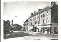 SAINT-CYR Du VAUDREUIL - Eure - Place De Gaulle - Station Essence AZUR - Hôtel BRAZZA Etc...(années 60) - France