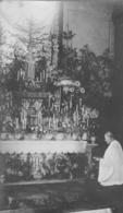 49 La Membrolle - Carte Photo Du Curé Devant L'autel De La Vierge.( Années 30) - Autres Communes