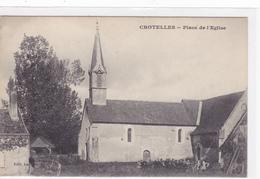 CPA 37 @ CROTELLES - Place De L'Eglise - Elèves Enfants De L'Ecole Devant - Editeur Lacoste - Autres Communes