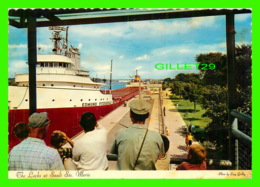 """PAQUEBOTS, SHIPS - """" EDMUND FITZGERALD """" THE LOCKS AT SAULT STE MARIE, MICHIGAN - TRAVEL IN 1972 - - Commerce"""