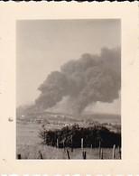 Foto Brennendes Gehöft - 2. WK - 5*4cm (37915) - Krieg, Militär