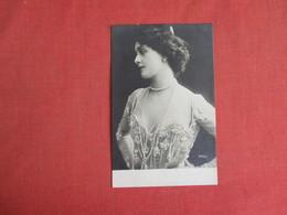 RPPC   Female Fashion  Several Sets Of Pearls  Germany Stamp & Cancel     Ref. 3084 - Fashion