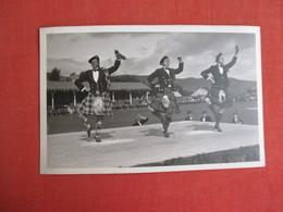 RPPC     3 Scotish Men Dancing  Ref. 3084 - Europe