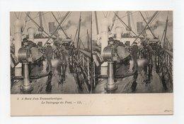 - CPA STEREOSCOPIQUE - A Bord D'un Transatlantique - Le Nettoyage Du Pont - Editions Lévy N° 5 - - Cartes Stéréoscopiques