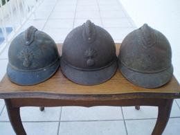 LOT DE 3 CASQUES ADRIAN 1915 - Cascos