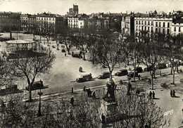 CPSM Grand Format BEZIERS  Place Jean Jaurès Et Statue Voitures Taxis Kiosque Paul Riquet RV - Beziers