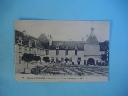 Château D'EPOISSES   -  21  -  La Cour D'Honneur   -  Côte D'Or - Autres Communes