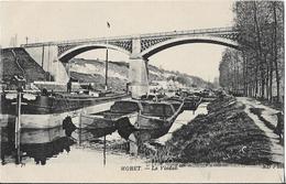 CPA  De  MORET  (77)  -  Le  Viaduc  Avec  Plusieurs  Péniches    // TBE - Moret Sur Loing