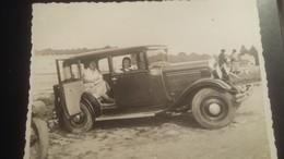 Ancienne Photo D'une Voiture Ancienne - Automobiles
