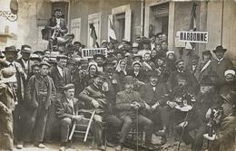 NARBONNE - Manifestations Viticoles Du 5 Mai 1907, Le Docteur Ernest Ferroul Et Les Officiels Attablés - Narbonne