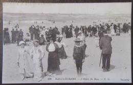 France - CPA Malo-Les-Bains - L'Heure Du Bain - Carte Très Animée, Circulée Le 2 Mai 1915 - Correspondance Militaire - Malo Les Bains