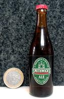 Mignonnette - IRLANDE Bière SMITHWICKS Bouteille Miniature 8.5cm (en Verre + Capsule Métal) - Miniatures